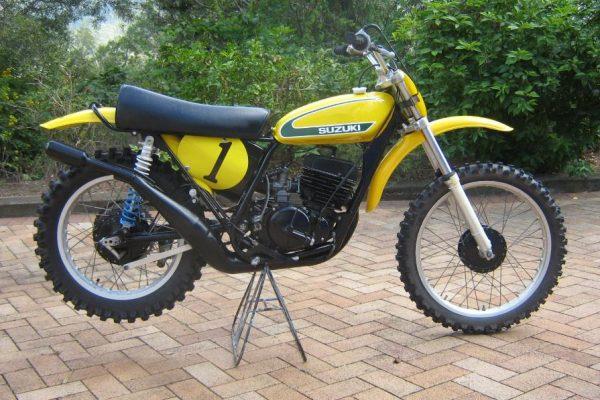 1974 Suzuki RN400