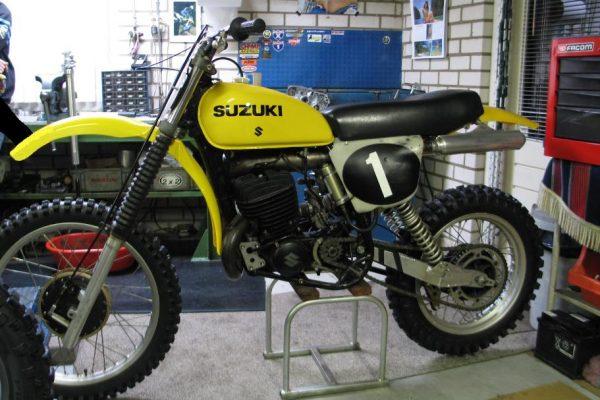 1977 Suzuki RN400
